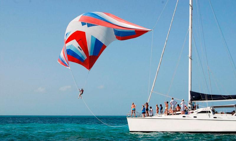 Paseo en Catamaran Isla Mujeres