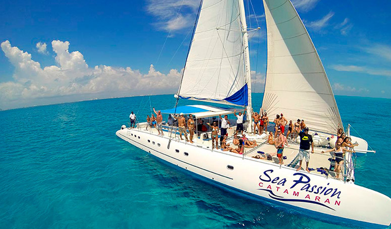 Cancun Sailing Isla Mujeres Tour en Catamaran