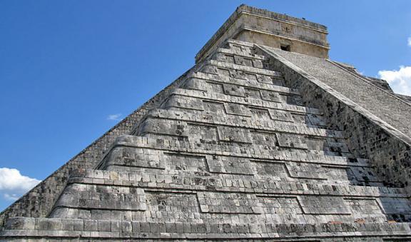 Chichen Itza Mayan Ruins a classic tour