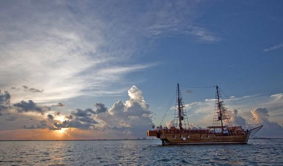 Spanish Galleon Columbus sunset view