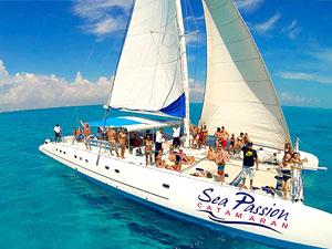 Isla Mujeres Sailing Tour