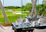 Travel around golf course amenities