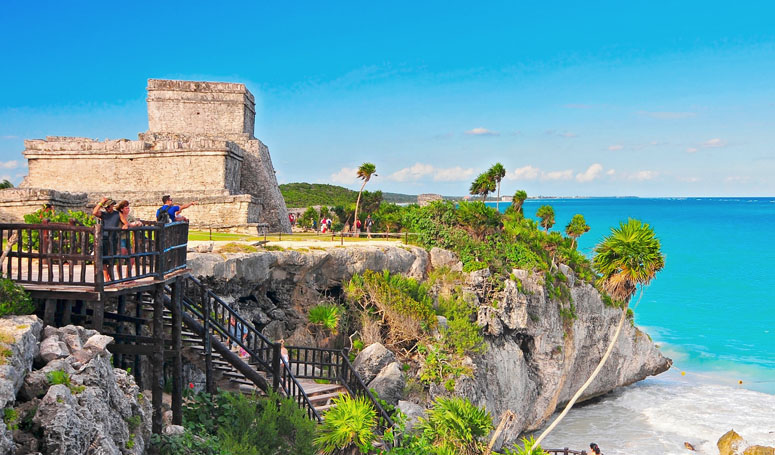 live the magic of the Mayan ruins of Tulum