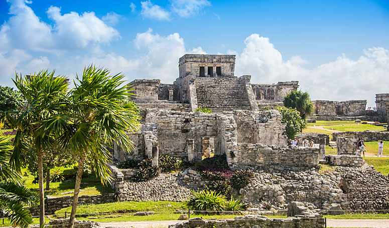 Amazing mayan ruins of TUlum