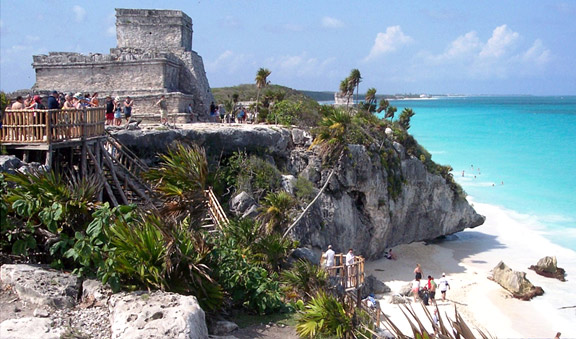 Visiting the Mayan ruins of Tulum