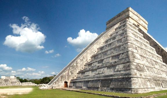 Pyramid El Castilo at Chichen Itza