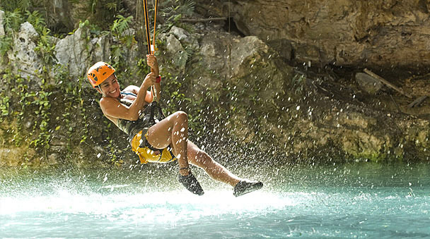 Water landing canopy tour in Xplor